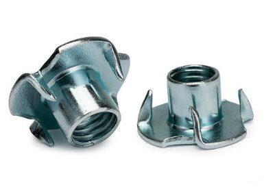 DIN1624 zink med fyra klo mutter